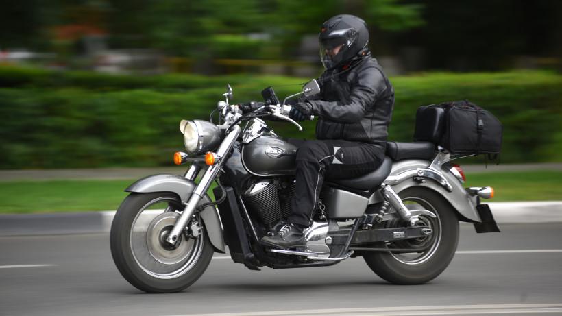 Мотоциклист на улице Ленина в Реутове