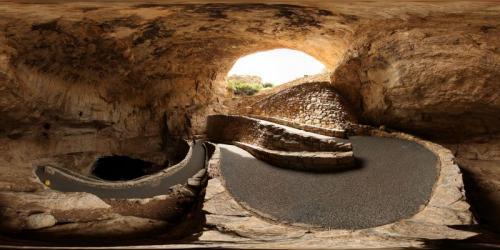 3. Карлсбадские пещеры, США В Карлсбадском Национальном парке в штате Нью-Мехико насчитывается 119 потрясающих пещер. Наиболее интересная среди них носит название Большая комната — это самая большая пещерная камера в Северной Америке.