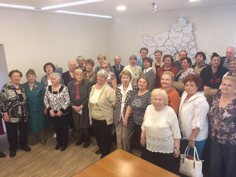 В Министерстве экономики и финансов Московской области поздравили ветеранов войны и труда с Днем Поб...