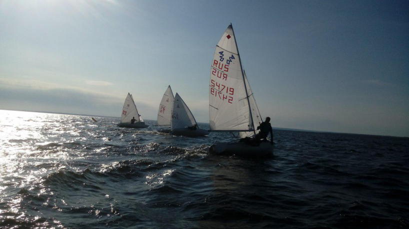 Яхтсмены на яхтах