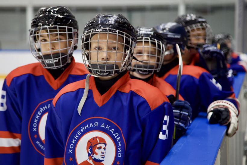 Стартует набор детей в хоккейную академию имени Владимира Петрова