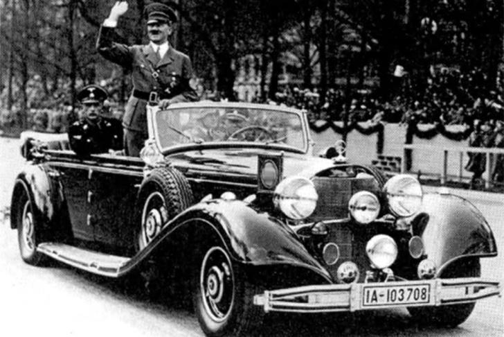 Мерседес Гитлера за 10 миллионов Рекордсменом среди самых дорогих артефактов Второй мировой является бронированный Mercedes Benz 770k, который принадлежал Адольфу Гитлеру. После войны автомобиль попал к автодилеру Михаэлю Фрелиху. Новый владелец изучил архивные документы и фотографии и доказал, что именно на этом парадном Мерседесе перемещался руководитель Третьего рейха. После 1945 года автомобиль оказался в Австрии, позже в Лас-Вегасе, а потом его купил бизнесмен из Мюнхена.