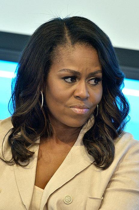Мишель Обама 20 лет назад Мишель Обама пережила потерю ребенка. Позже супруга бывшего президента США призналась, что долгое время хранила эту тайну и даже не подозревала, насколько часто у других женщин случаются выкидыши.