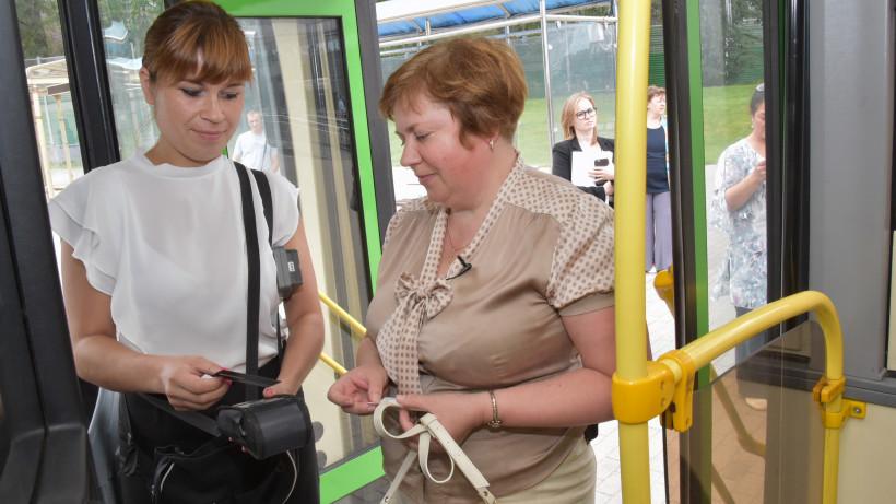 Доля оплаты проезда в автобусах Подмосковья банковской картой увеличилась на 50% в 2019 году