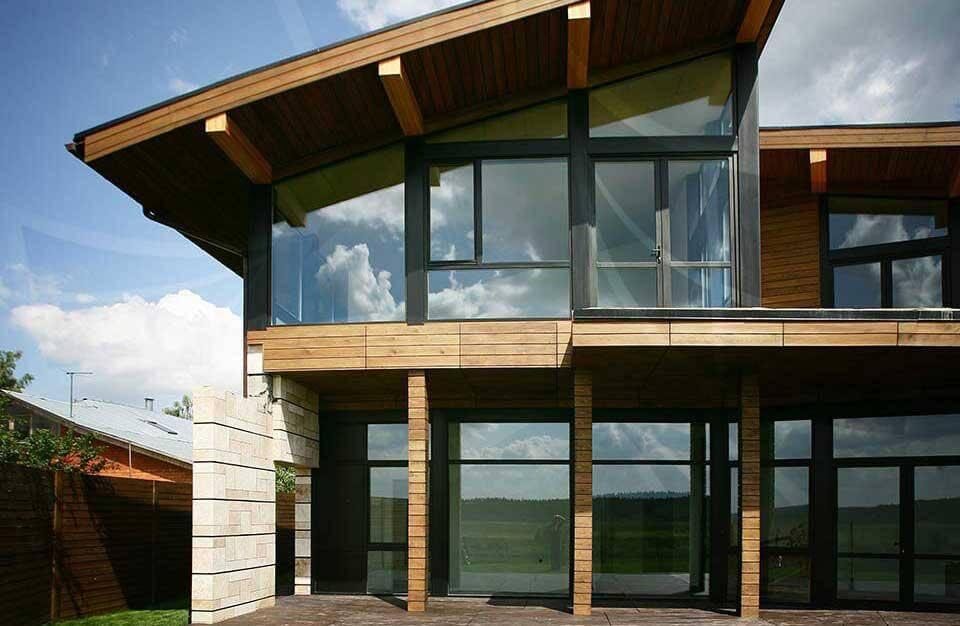 Варианты остекления загородных домов и коттеджей — подходящие профили