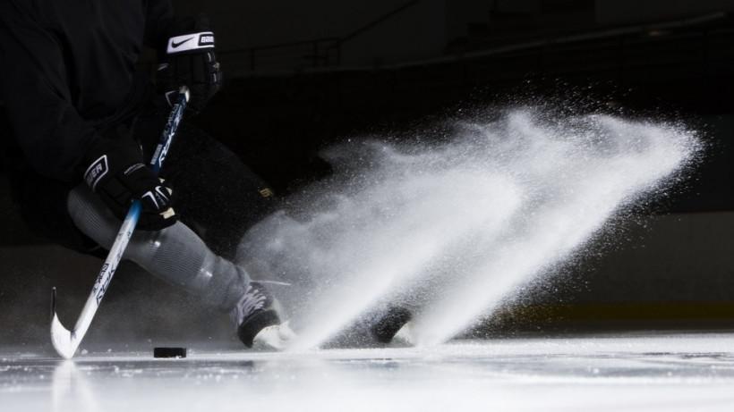 Подольский «Витязь» победил в первом матче финала VIII Ночной Хоккейной Лиги