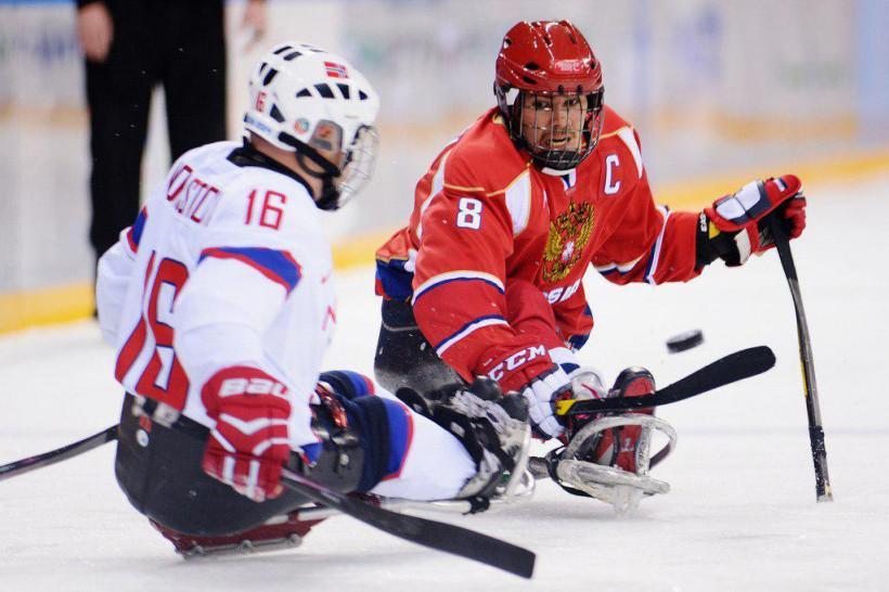 Следж-хоккеисты подмосковного «Феникса» примут участие в Кубке континента в составе сборных команд Р...
