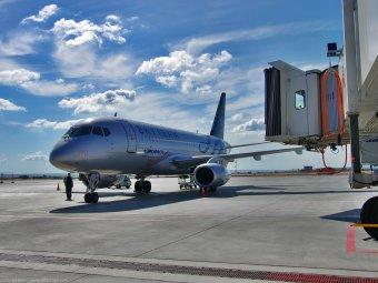 СМИ: Sukhoi Superjet аварийно приземлился в Шереметьево