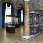 Выставка глиптики, ювелирного и камнерезного искусства проходит в Эрмитаже
