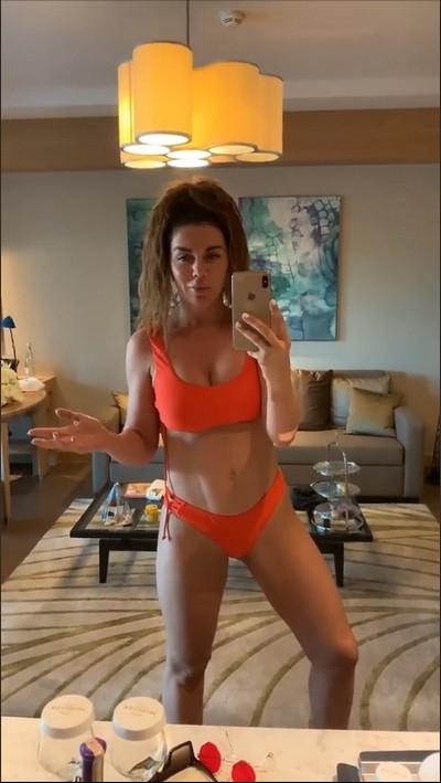 Анна Седокова призналась в многолетней борьбе с целлюлитом