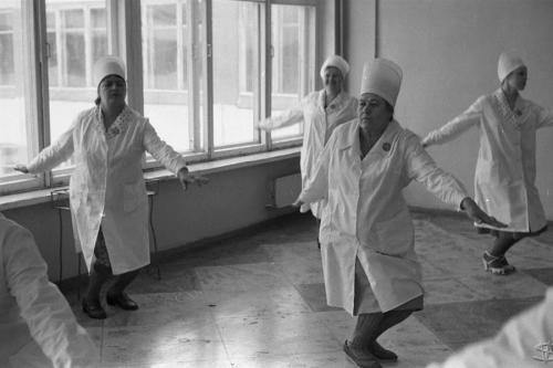 «Соревнования Горпромторга по производственной гимнастике», школа №62, Новокузнецк, Сибирь. 10 апреля 1983 года.