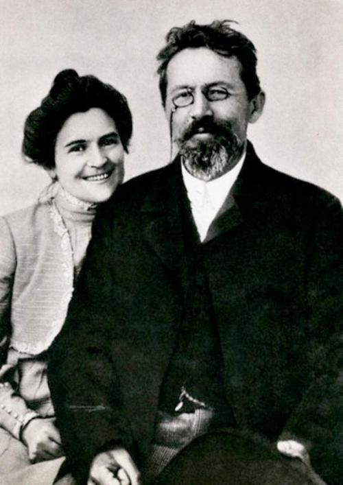 Однако вторая беременность была не от мужа. Чехов узнал о случившемся из переписки с доктором Ольги. Сопоставив факты, он понял, что ребенок не от него. Но он никогда не упрекал Ольгу в изменах, хотя знал о них.