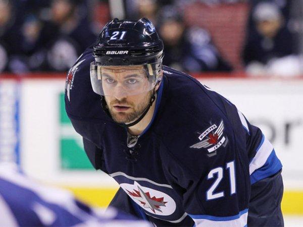 Игравший в КХЛ хоккеист из США грубо оскорбил Нижнекамск