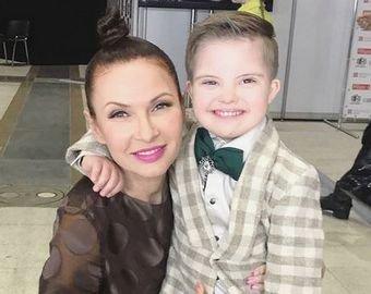 Эвелина Бледанс показала на видео подросшего сына