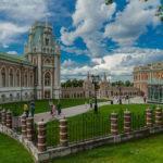 Министр культуры РФ передал музею-заповеднику «Царицыно» приказ о пополнении коллекции на 2 тыс. предметов