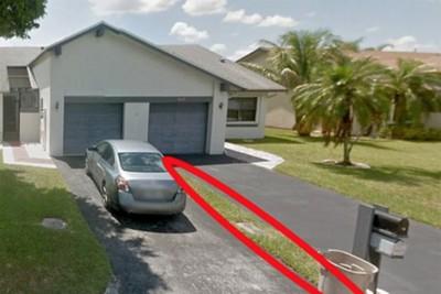 Мужчина по ошибке купил вместо дома кусок газона за тысячи долларов