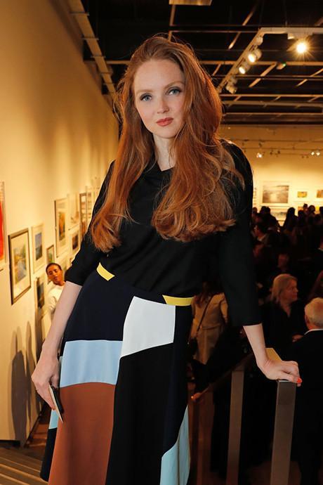 Лили Коул Успешная модель с неординарной внешностью стала популярной, как раз когда училась в университете. Но это никак не помешало ей успешно окончить Кембридж. Девушка получила ученую степень по истории искусств.