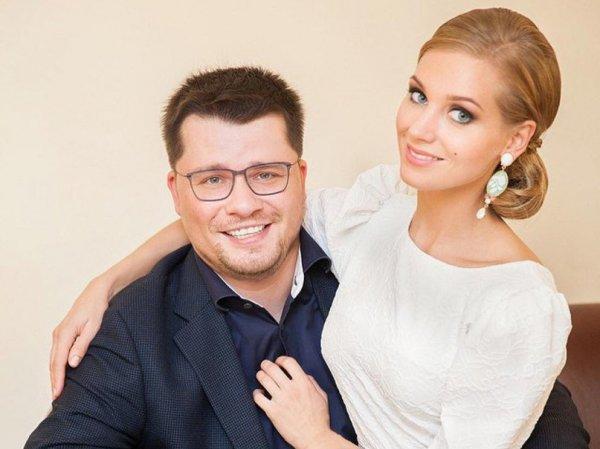 «Объявляем себя парой и заселяемся в домик»: Харламов сделал признание о беременности Асмус