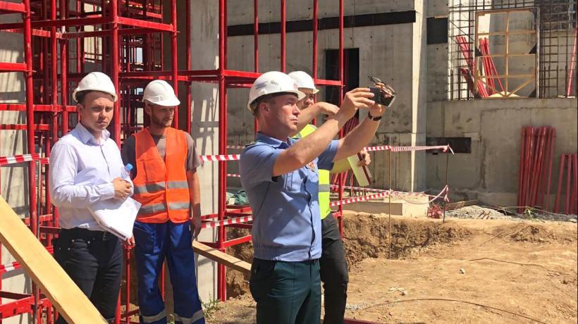 Почти 300 нарушений устранили подрядчики на стройках в Подмосковье за неделю