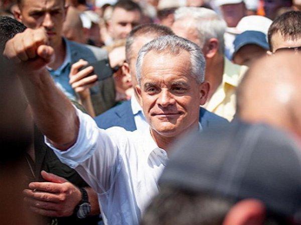 «Самолеты взлетают один за другим»: молдавская оппозиция устроила массовый побег из страны