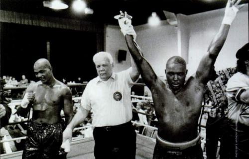 Несмотря на проигрыши, он сумел как-то победить больше 60 раз. Судя по статистике, иногда он проводил по три боя за день.