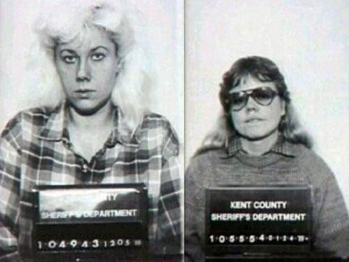 2. Гвендолин Грэм и Кэтрин Мей Вуд Эти две женщины встретились в доме престарелых в Гранд-Рапидс, штат Мичиган, и сразу же стали парой. Но обычного секса молодым лесбиянкам было недостаточно. Сначала они душили друг друга во время секса, но вскоре это им наскучило. Тогда они начали убивать старушек в доме престарелых, в котором работали. Первое убийство они совершили в январе 1987 года — задушили пожилую женщину с болезнью Альцгеймера, а затем занялись сексом рядом с ее трупом. Подобные убийства повторялись четыре раза.