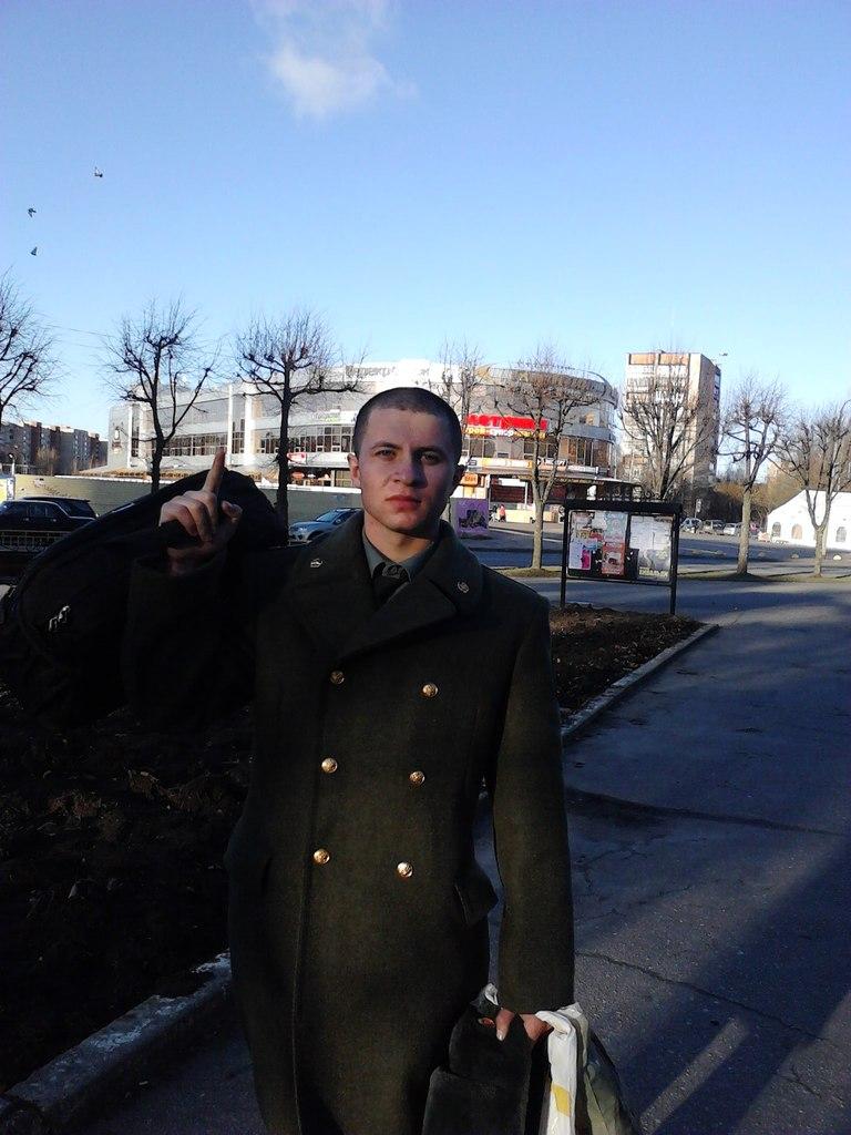 «Учился на полицейского»: видео допроса серийного отравителя прохожих газировкой появилось в Сети