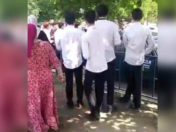 В Чечне школьники и полицейские устроили драку со стрельбой перед экзаменом