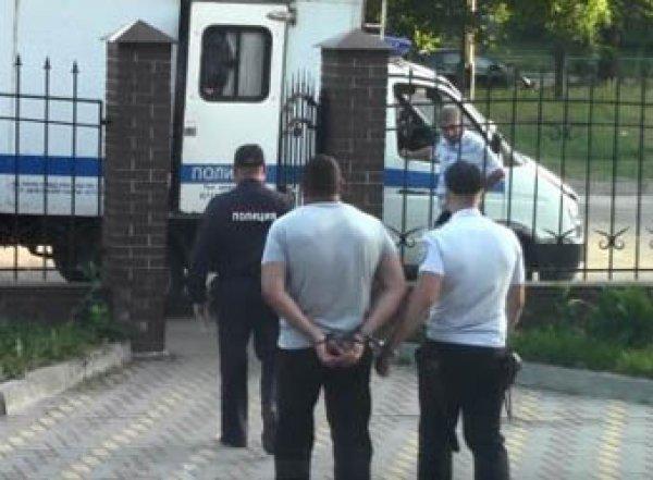 В Курске полицейский устроил стрельбу из-за попавшего в машину мяча