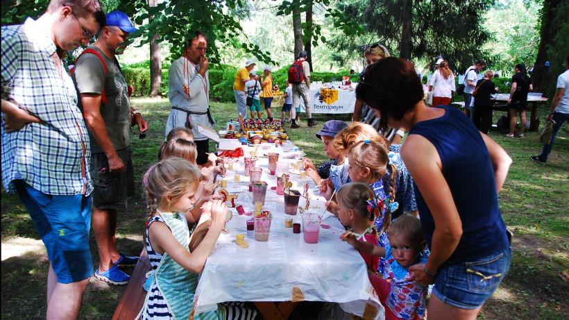 Вице-губернатор Виртуозова презентовала проект «Лето в Подмосковье» в Больших Вяземах