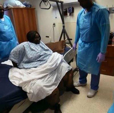 Женщина похудела на 209 килограммов и смогла встать с дивана