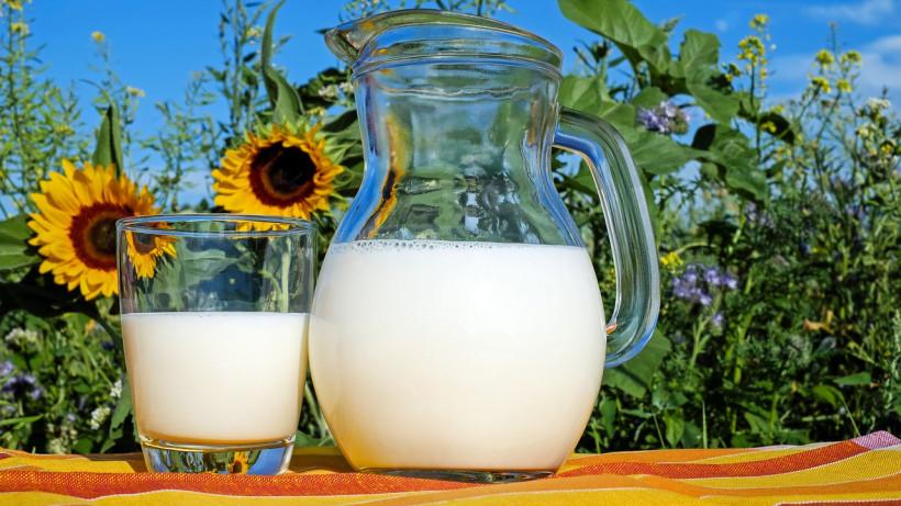 Жителям Московской области напомнили о необходимости кипятить сырое молоко