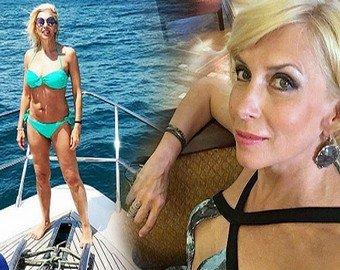 56-летняя Алена Свиридова восхитила поклонников видео в купальнике