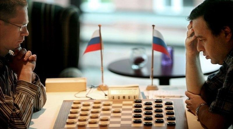Александр Шварцман из Подмосковья стал чемпионом мира по международным шашкам