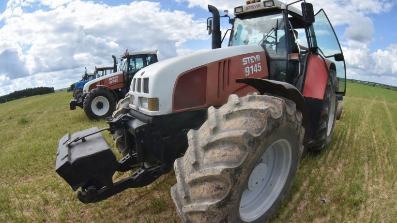 Фермер на тракторе проедет через всю область в «День поля Подмосковья»