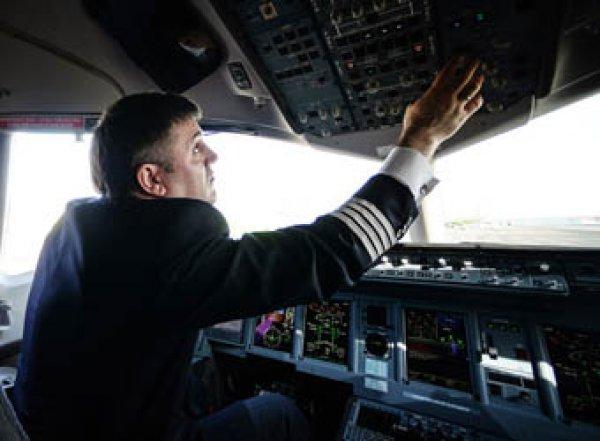 Генпрокуратура: в России отстранены от полетов более 400 пилотов