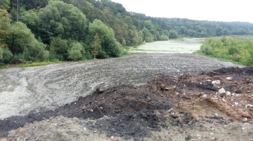 Инспекторы Минэкологии выявили незаконную свалку в Дзержинском