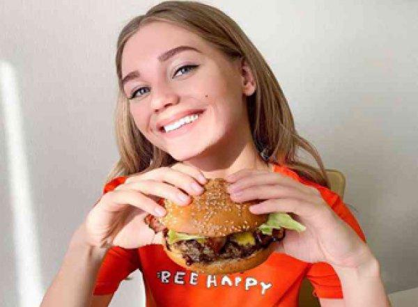 «Изнуряю себя адскими диетами»: Асмус призналась в ужасных жертвах ради красоты