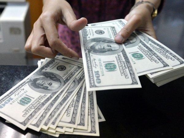 Эксперт: США ожидают обвал доллара и дефолт