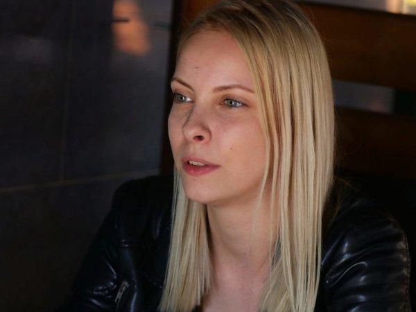 «Экстремистка» Мотузная отсудила 100 тысяч рублей после уголовного дела о картинках «ВКонтакте»