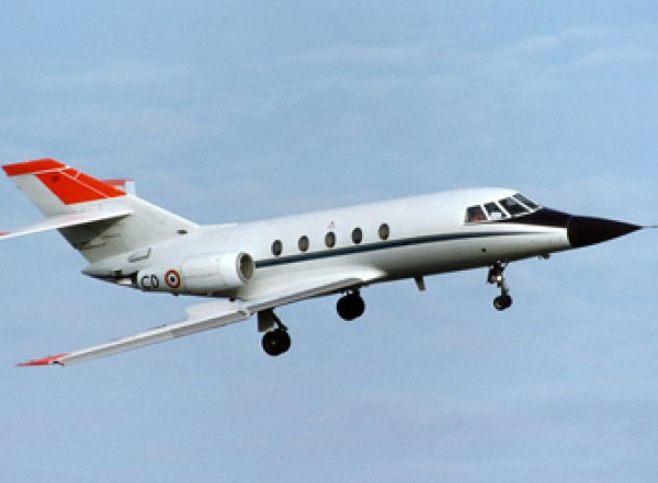 Минздрав заменит лайнеры SSJ100 французскими Falcon
