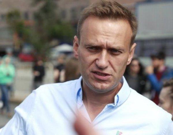 Навального госпитализировали из спецприемника в больницу: СМИ узнали причину