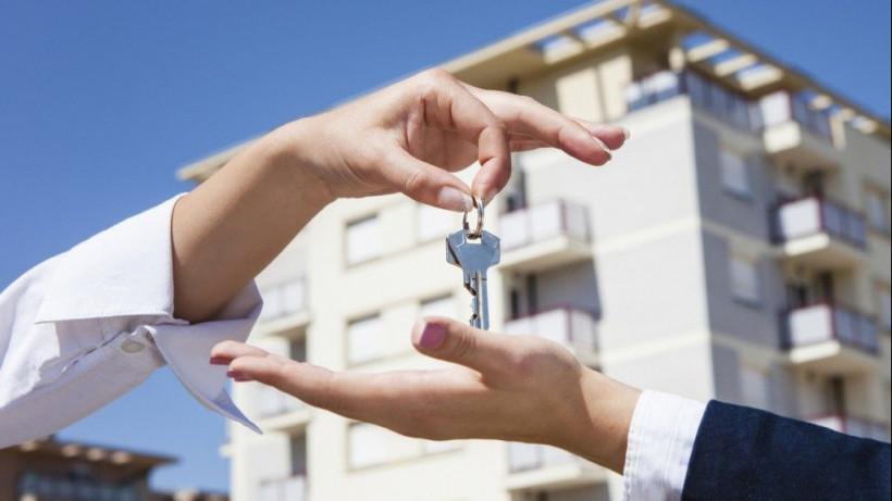 Почти 100 детей-сирот Подмосковья получат ключи от собственных квартир до конца июля
