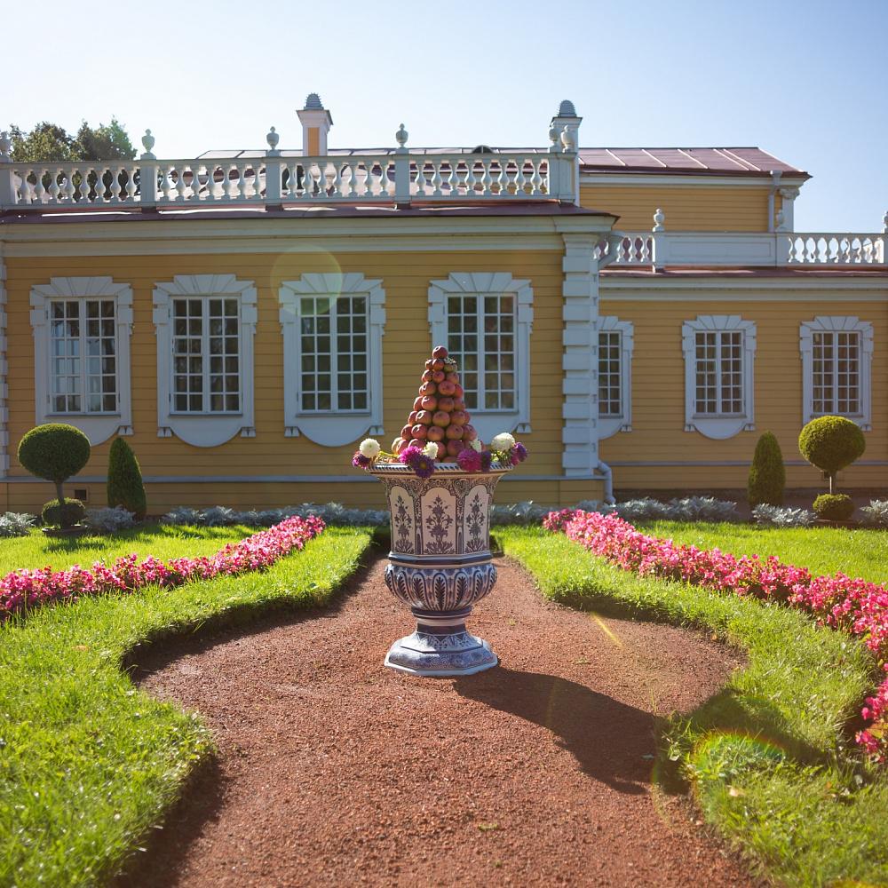 Пресс-тур во «Дворец Петра I в Стрельне» (Государственный музей-заповедник «Петергоф»)