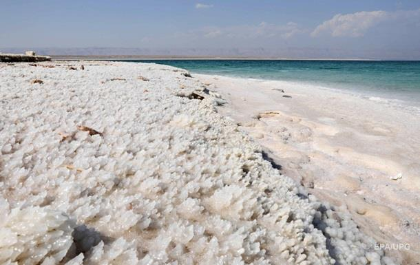 """Раскрыт секрет """"солевых дождей"""" в Мертвом море"""