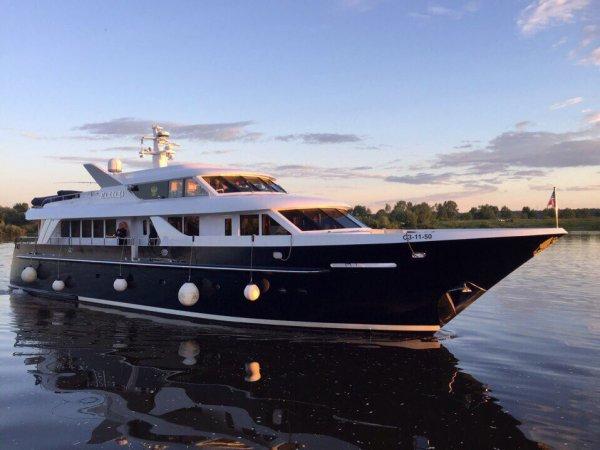 СМИ: «яхту патриарха» можно арендовать за 500 тысяч в день