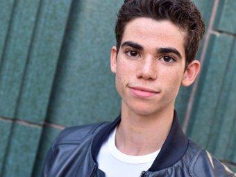 СМИ назвали причину смерти юного актера Disney Камерона Бойса