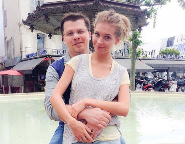 «Топ 3 самых-самых»: Харламов поспорил с Асмус, назвав трех самых красивых девушек России