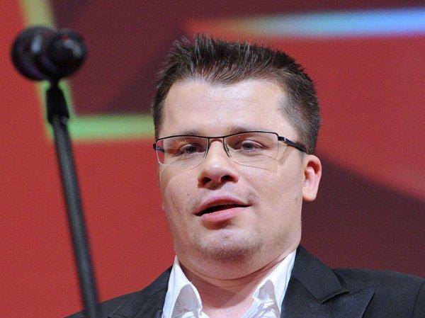 «У Асмус тоже много пикантных фото»: оскорбительное видео Харламова про Волочкову вызвало скандал