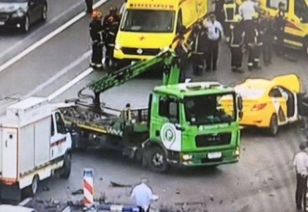 В жутком ДТП с пятью авто на Кутузовском проспекте погибли два человека